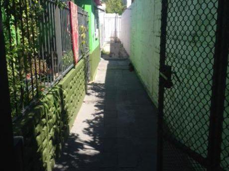 Apto 2 Dormitorios.calle Pantaleon Artigas