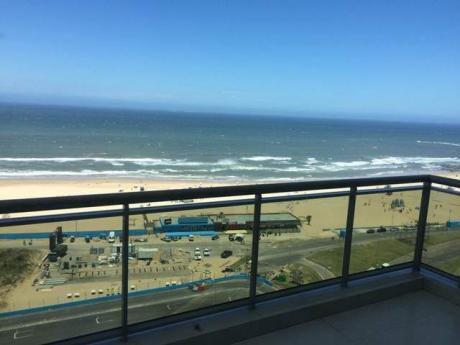 Excelente Penthouse. Piscina Y Barbacoa Propia. Playa Brava De Punta Del Este