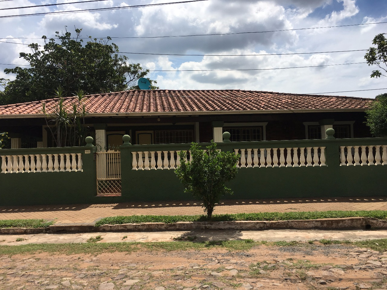 VENDO V-092 Hermosa Casa Con Corredor Jere - Lambare