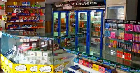 Venta Maxi Kiosco Y Cibercafe + Habitacion Con BaÑo