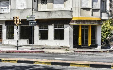 Local Comercial De 109m2 En Pocitos.