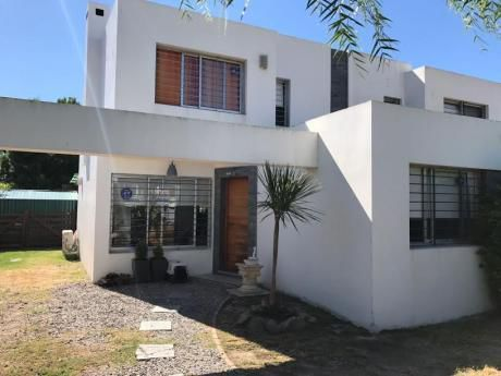 Se Vende Casa En Solymar Sur 3 Dormitorios 2 Baños Y Piscina
