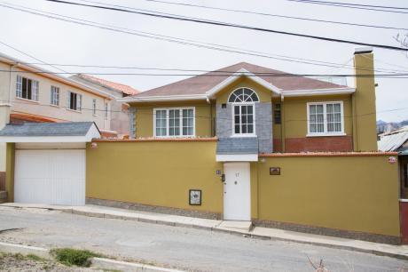 Hermosa Y Acogedora Casa En Auquisamaña.