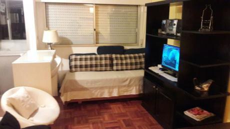 Apartamento 1 Dormitorio En Ciudad Vieja, Montevideo