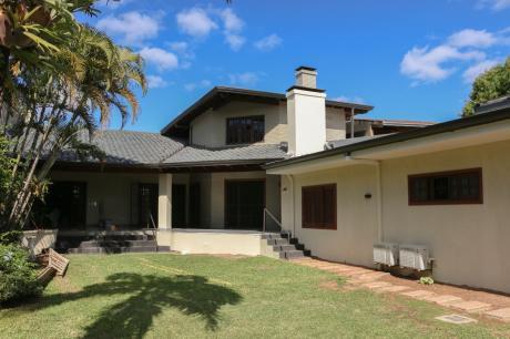 Alquilo Hermosa Casa Remodelada