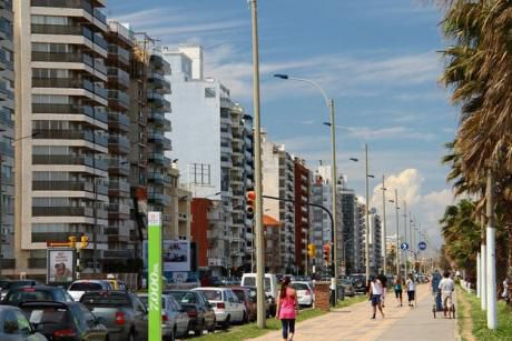 De Las Opciones Que No Hay, Gran Casa En Dos Niveles El Punta Carretas