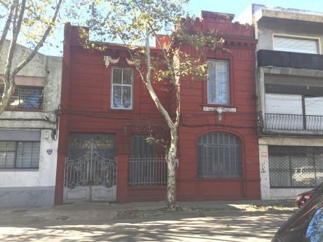 Burgues Y Bvar Artigas - Gran Casona Para CLínica, Instituto Enseñanza, Pension