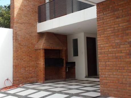 Duplex En Venta  En Lambaré – Zona Caracol  Barrio: Santa Librada