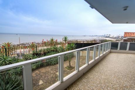 ¡único Y Exclusivo Para Vivir Mirando El Mar! Excelente Calidad De Construcción