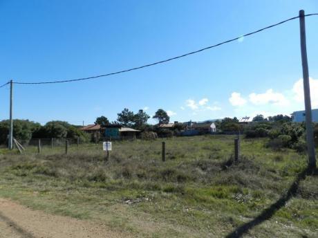 Terreno En Venta En Punta Negra.
