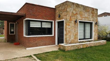 Nueva!! 3 Dormitorios, 2 Baños, Piscina Climatizada.