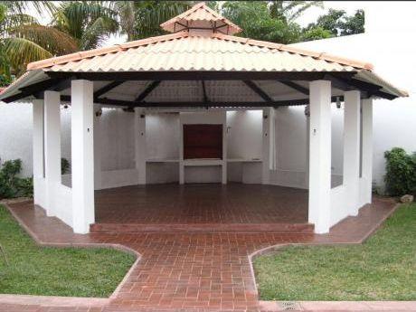 """Amplia Casa En Alquiler En """"las Palmas"""""""