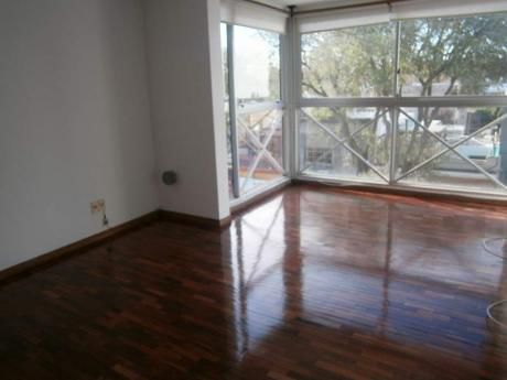 Apartamento 2 Dormitorios Puerto Del Buceo