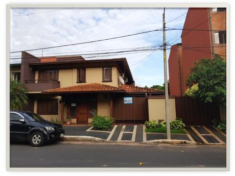 Hermosa Casa En Barrio Herrera!, Cercanías Iglesia San Cristóbal