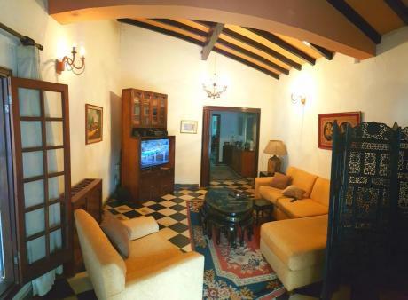 Alquilo Casa En Barrio Herrera