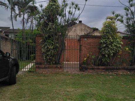 Casa En Venta O Como Terreno Ideal Para Casas Gemelas, Edificios, Sedes