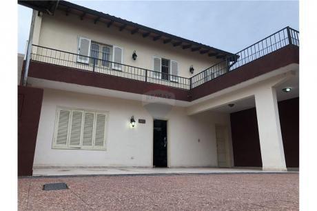 Amplia Casa A Una Cuadra De Campo Via