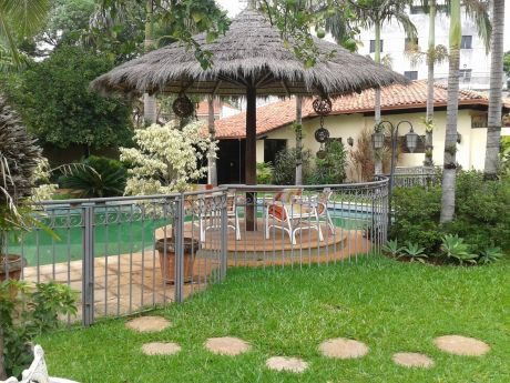 Residencia Para Vivienda U Oficina - Los Laureles  - Asunción