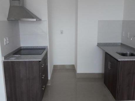 Excelente Apartamento A Estrenar A 1 Cuadra Del Shopping De 3 Cruces