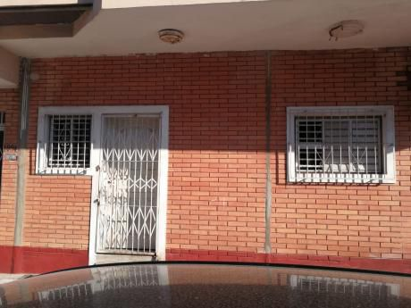 Tierra Inmobiliaria Alquila - Para Vivienda U Oficina Un Paso Del Poder Judicial
