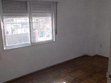 Casa Con Terrazas Parrillero  De Altos Rivera Y 14 Julio Fte Cfrente