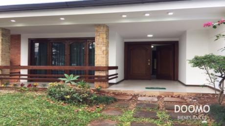 Casa En Alquiler Ideal Para Oficinas O Embajadas En Villamorra