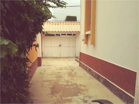 Código 12046 Casa En Venta+garzonier En Venta, Calacoto, La Paz, Bolivia.