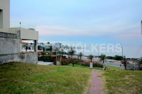 Apartamento De 3 Dormitorios Con Vista Al Mar En Proyecto