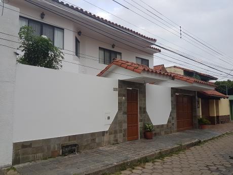 Hermosa Casa De 3 Dormitorios En Urbari