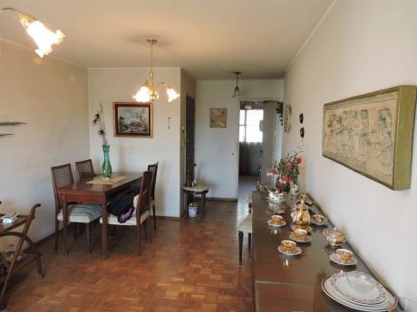 Apartamento 2 Dormitorios Centro - Aguada - A 1 Cuadra Del Palacio