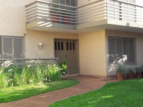 Casa En Las Inmediaciones De La Embajada Americana