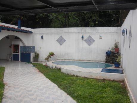 Casa En Complejo La Roca - Luque - Zona Garden