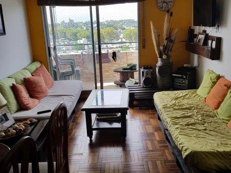Precioso Apartamento Sobre Avenida
