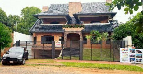 Mansion De Casa A Estrenar En Villa Aurelia
