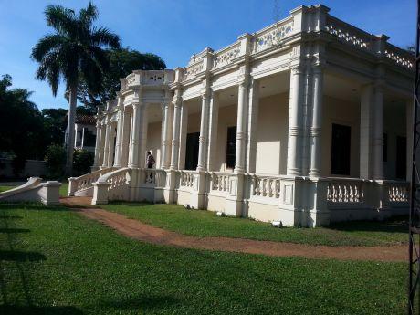 Alquilo Residencia Sobre Avenida España - Zona Manpower