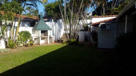 Casa En Barrio El Dorado