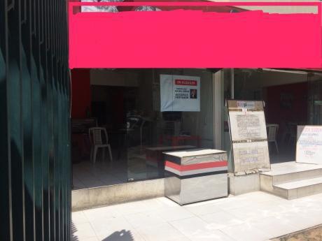Plazuela 4 De Noviembre Local Comercial En Alquiler Estrategicamente Ubicado