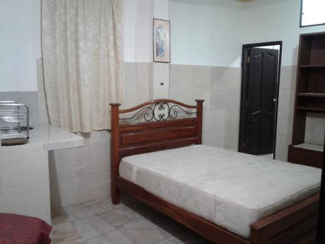 Habitación Amoblada Con Cocineta Radial 26 Y 4° Anillo
