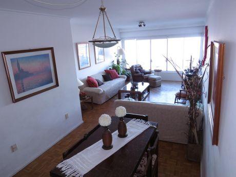 Apartamento Sobre Rambla De Punta Carretas