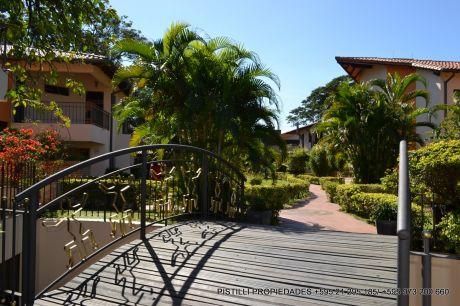 A-020 Alquilo Duplex En Condominio - Barrio Villa Morra