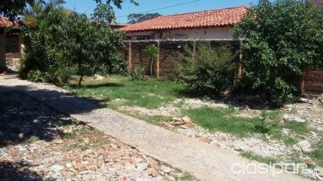 Vendo Casa De 2 Dormitorios En San Lorenzo Zona De Teniente Molas