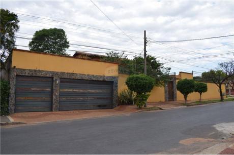 Casa A Pasos De Cacique Lambare