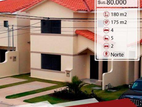 Amplia Casa En Anticretico En Condominio !!