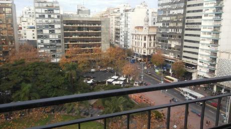 La Mejor Ubicacion Y Vista Del Centro De Montevideo, Todo Un Piso