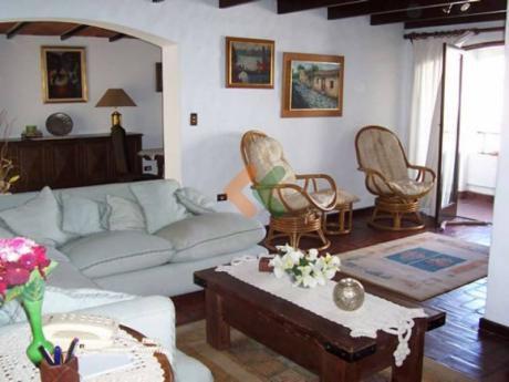 Apartamento A Pasos De La Playa Mansa Y A Una Cuadra De La Brava.  - Ref: 1153