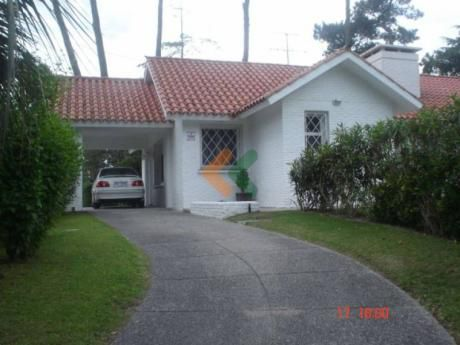 Casa En Impecable Estado Zona Cantegril - Ref: 122