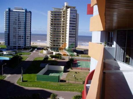 Imperdible Apartamento A Dos Cuadras De La Brava, Con Preciosa Vista Al Mar.  - Ref: 1405