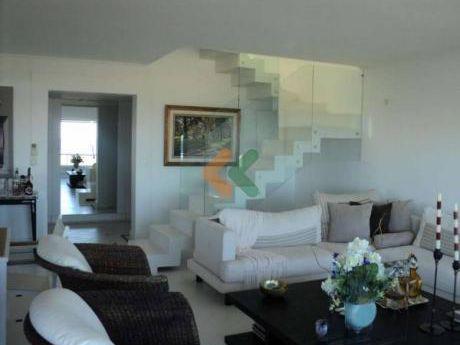 Espectacular Apartamento Con Increible Vista Al Mar - Ref: 1615
