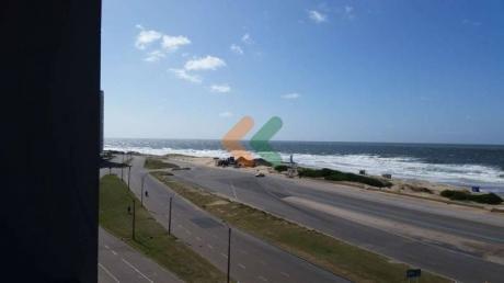 Vista Espectacular Frente A Playa Brava Con Sol Durante El Año - Ref: 3172