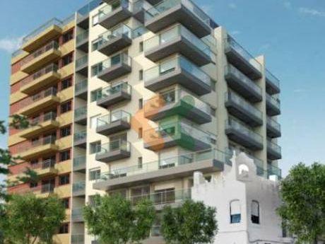 Apartamento En Punta Carretas En Edificio De Calidad - Ref: 3564